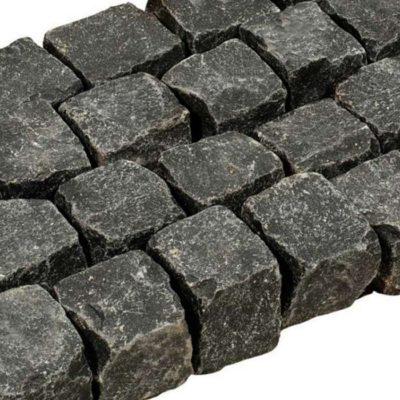 Pavé basalte noir